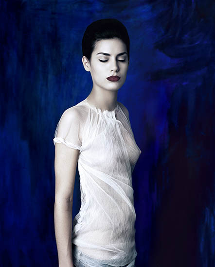 http://www.constanzapiaggio.com/web/new/files/gimgs/10_chica-azul.jpg